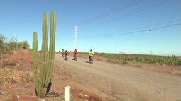 Ciclistas espantam o frio pedalando