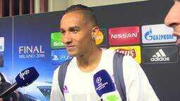 Danilo revela que teve que manter a calma antes de entrar na final da Champions