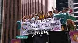 Parada do Orgulho LGBT pede respeito aos transexuais