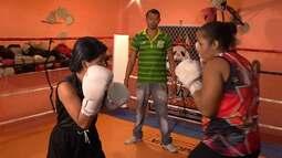 Em Belém, mototaxista resgata autoestima ao ensinar boxe para crianças, jovens e adultos