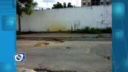Moradora do Conjunto Sol Nascente reclama de buracos na rua