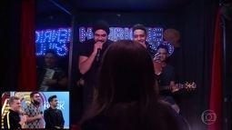 Henrique e Juliano fazem show por 2 reais e fãs são surpreendidos