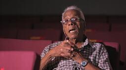 Série 'Retiro dos Artistas: 10 Vozes' traz o assistente de contrarregra Waldir da Cunha