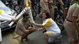 Tocha olímpica desfila por Guarulhos