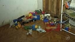 Suspeita de deixar os três filhos sem comida e sozinhos em casa é presa em Tatuí
