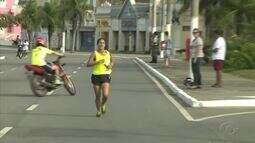 Mais de cem atletas participaram da corrida do gari em Maceió