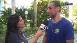 """Serginho, líbero da seleção de vôlei, sugere pessoa """"comum"""" para levar bandeira brasileira"""