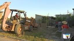 Prefeitura retira novas construções de núcleo congelado em Jacareí, SP