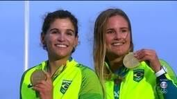 Medalhistas de ouro brasileiros pedem música no Fantástico