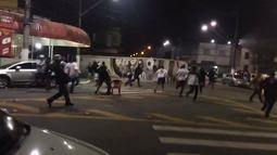 Torcedores entram em confronto com a PM fora da Vila Belmiro