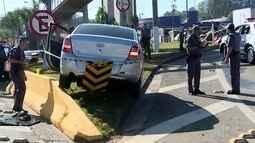 Homem suspeito de roubar um carro é morto após perseguição policial