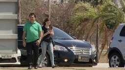 Carro oficial do Senado é flagrado levando pessoas para passear no Palácio Alvorada