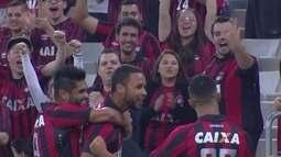 O gol de Atlético-PR 1 x 0 Botafogo pela 22ª rodada do Brasileirão