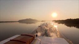 Conheça o encontro das águas de lago e mar no sul do estado