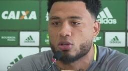 Prestes a encarar o Belgrano, Kazim ressalta particularidade do duelo com argentinos