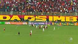 Vitória vence o São Paulo e se afasta da zona de rebaixamento do Campeonato Brasileiro