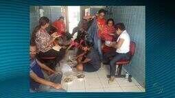 Professores ocupam prefeitura de Tomar do Geru