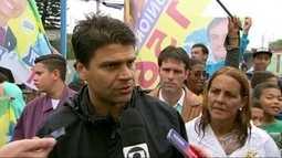 Pedro Paulo, candidato do PMDB, fez campanha em Santa Cruz