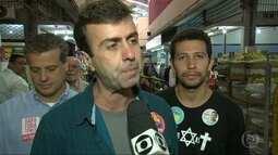 Marcelo Freixo, candidato do PSOL, fez campanha em Benfica