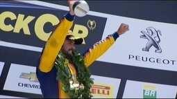 Perto de troca de equipe, Tiago Camilo vence prova da Stock Car em Curitiba