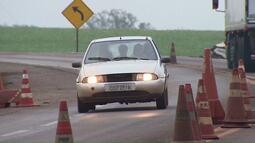 Multas para motoristas que não dirigirem com farol aceso voltam a ser aplicadas