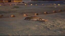 Motoristas precisam ficar atentos com buracos nas ruas de Goiânia