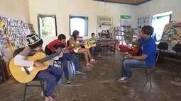 Biblioteca em distrito de Ouro Branco transforma vida cultural de moradores