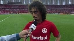 """""""Jogamos bem, mas tem mais um jogo e não acaba aqui"""" diz Autor do gol do Inter, Valdívia"""