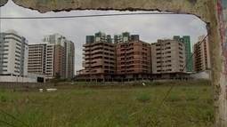 Prédios abandonados são usados por bandidos e preocupam moradores de Águas Claras