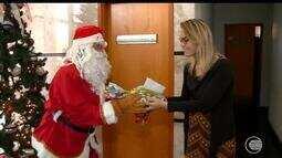 Campanha dos correios pede para que população adote uma carta e doar presentes