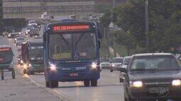 Motoristas são multados por não usar farol baixos em rodovias de Minas Gerais