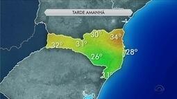 Ciclone se afasta da costa de SC e tempo deve melhorar nesta terça (6)