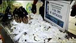Jovens são presos com arma de uso restrito das Forças Armadas e drogas