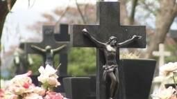 Visita ao Cemitério do Bonfim é aula de arquitetura, arte e história