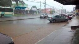 Chuva deixa ruas alagadas em algumas cidades do DF