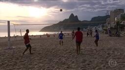 """Torneio """"Craques do Futevôlei"""" acontece neste domingo (15) no Rio"""