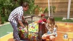 Veja como fazer uma piscina de bolinhas para a criança brincar em casa
