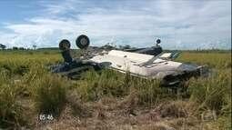 Polícia descobre 380 quilos de pasta de cocaína em avião que caiu no PR