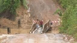 Moradores do ramal do Panorama reclamam pela falta de uma ponte no igarapé Redenção
