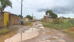 Moradores reclamam de péssimas condições de rua no bairro Lagoinha, em Porto Velho