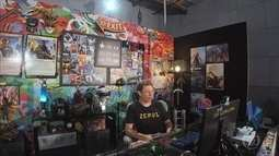 Tiago Leifert joga 'Final Fantasy XV'