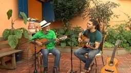 Reprise: Tau Brasil e Augusto Cordeiro fazem dupla musical de pai e filho