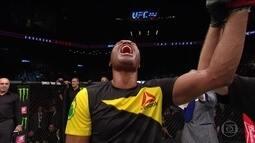 Anderson Silva volta a vencer no UFC após quatro anos