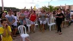 Moradores do Paranoá Parque protestam contra cobrança de nova taxa da Caesb