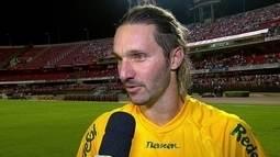 """Xuxa, sobre gol marcado: """"Foi meio sem querer, mas o que importa é o resultado"""""""