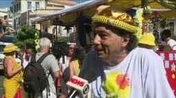 Escravos da Mauá faz seu 25º desfile na Zona Portuária do Rio