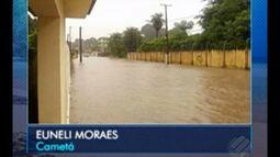 Chuva deixa avenida alagada em Cametá