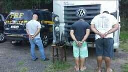 PRF prende quatro pessoas e recupera caminhão roubado no Sul do ES