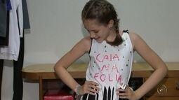 Figurinista dá dicas de como customizar camisetas para o Carnaval