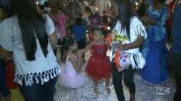 Com fantasias e disposição, pequenos foliões entram no ritmo do Carnaval